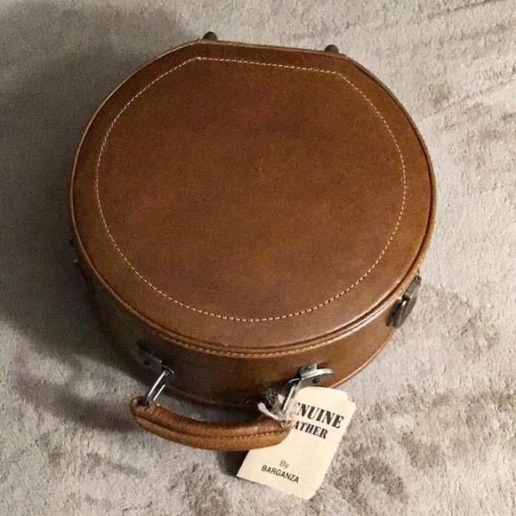 BARGANZA 100% Leather Circle Suitcase-Purse Cognac